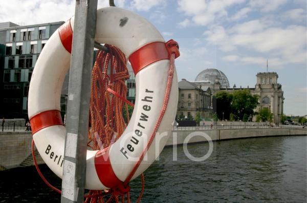 Rettungsring beim Reichstag