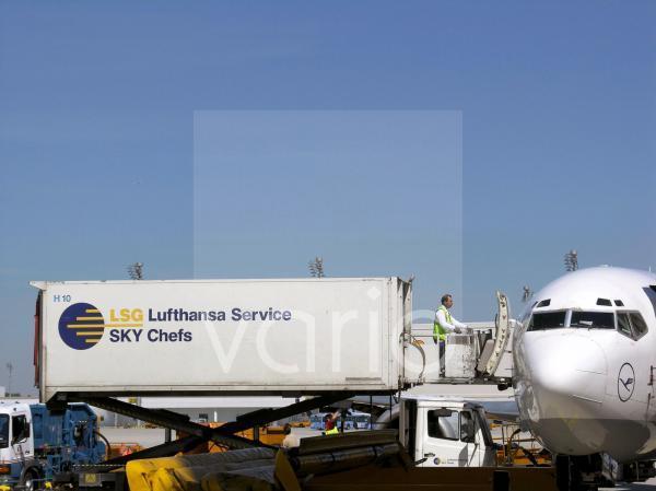 Catering einer Lufthansamaschine