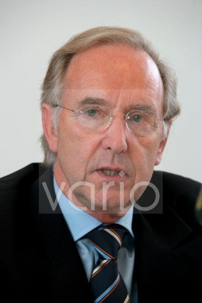 Dr. Ulf BOEGE