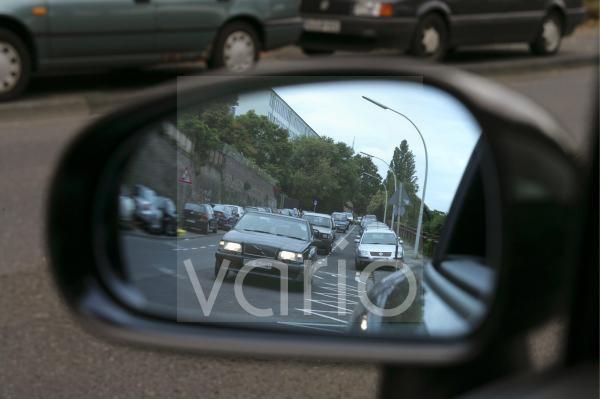 Licht fuer Autos auch am Tag
