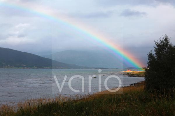 Regenbogen bei Nesna