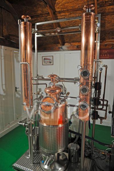 Destille zum Brennen von Palinka Obstbraenden ind Ungarn und Oesterreich