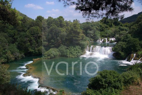 Wasserfälle (Kaskaden) von Skradinski buk, Krka Nationalpark, Sibenik, Dalmatien, Kroatien