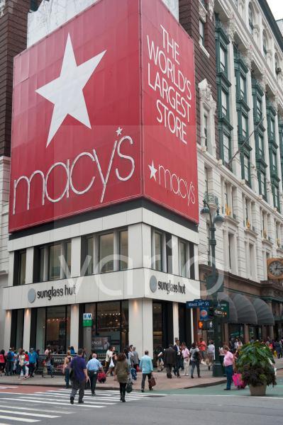 Werbung an der Straßenecke, Traditions-Kaufhaus Macy's, Herald Square, Platz, Kreuzung von Broadway und 6th Avenue, New York City, USA, Nordamerika, Amerika