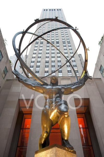 Statue des Atlas vor Hochhaus, Rockefeller Center, Midtown, Manhattan, New York City, USA, Nordamerika, Amerika