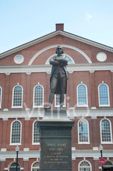 Unabhängigkeitskämpfer Samuel Adams, Denkmal, Monument vor der Faneuil Hall, Quincy Market, Boston, Massachusetts, Neuengland, USA, Nordamerika, Amerika