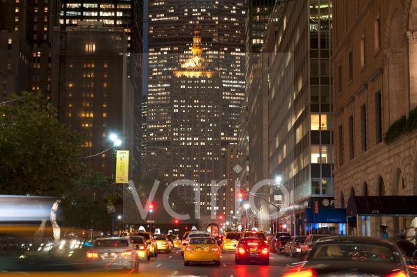 Park Avenue, erleuchtetes The Helmsley Building bei Nacht, Midtown, Manhattan, New York City, USA, Nordamerika, Amerika