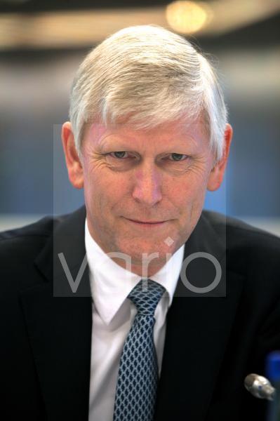 Dr. Rolf Martin SCHMITZ