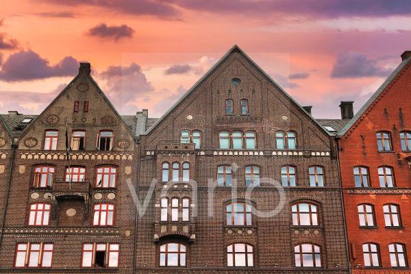 Kontorhäuser, Hanseatisches Viertel Bryggen, Tyskebryggen, Abendhimmel, Bergen, Vestland, Norwegen, Europa