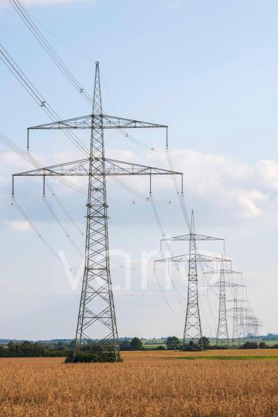 Strommasten, Hochspannungsleitungen, Unterfranken, Bayern, Deutschland, Europa