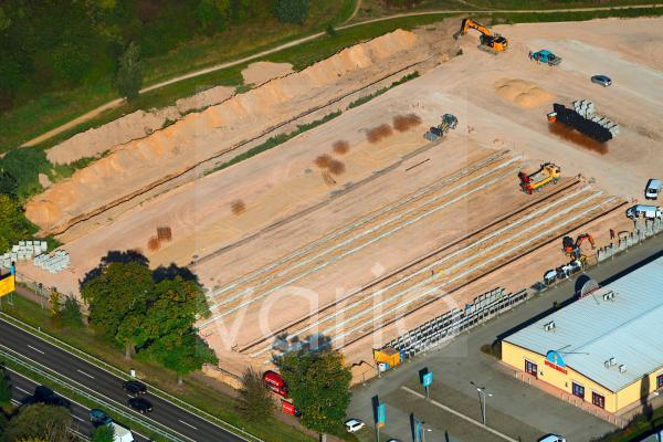 Baustelle zum Neubau Neue Mehrower Straße - Altlandsberger Chaussee in Hoppegarten im Bundesland Brandenburg, Deutschland