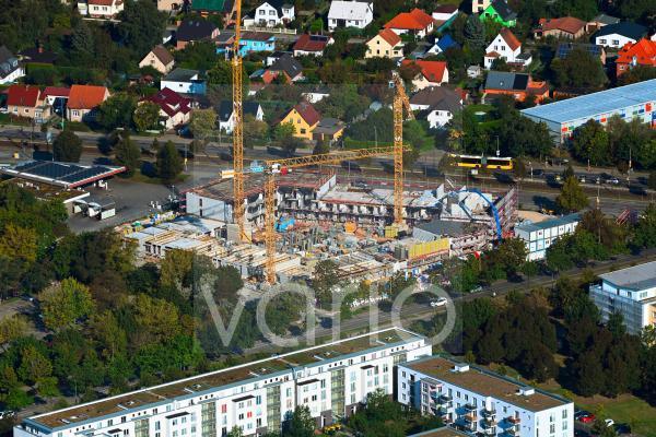 Baustelle zum Neubau eines Wohnhauses Pöhlbergstraße im Ortsteil Marzahn in Berlin, Deutschland