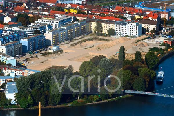 Baustelle zum Neubau einer Mehrfamilienhaus-Wohnanlage Quartier WOHNWERK im Ortsteil Schöneweide in Berlin, Deutschland