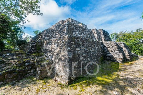 Mexico, Campeche, Corner of ancient Maya temple in Calakmul