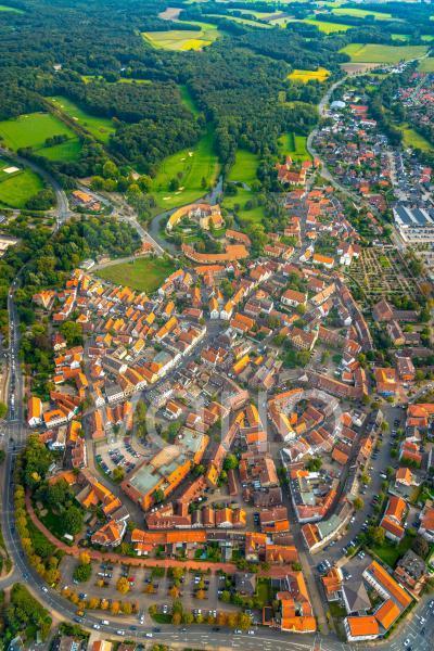 Altstadtbereich und Innenstadtzentrum in Steinfurt im Bundesland Nordrhein-Westfalen, Deutschland