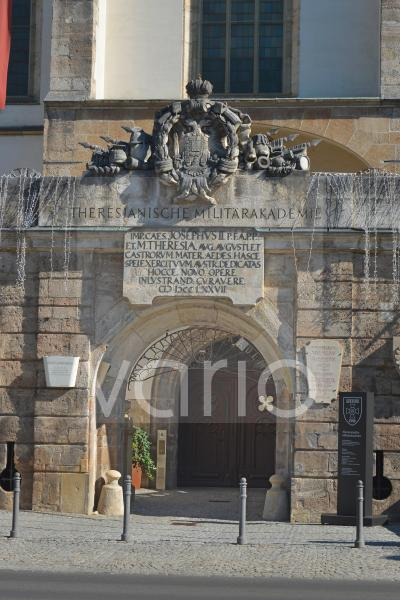 Die Burg von Wiener Neustadt - Haupteingang der Militrakademie