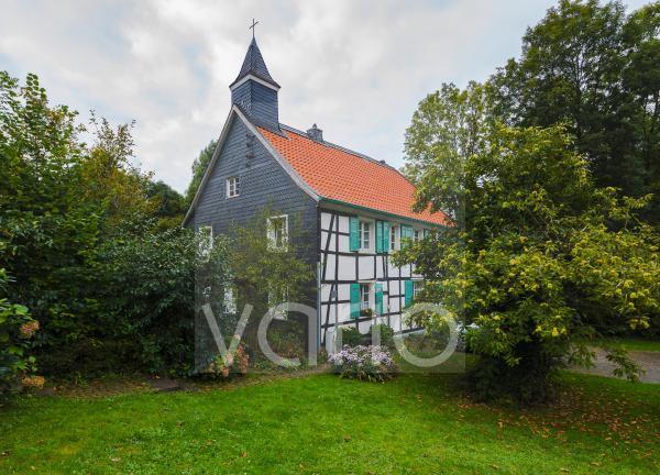 Alte Schule in Abtskueche, ehemals Landschule und Kapelle, Fachwerkhaus, Heiligenhaus, Bergisches Land, Niederbergisches Land, Nordrhein-Westfalen