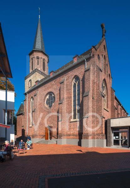 Katholische Pfarrkirche St. Jacobus, Neugotik, Backsteinbau, Hilden, Bergisches Land, Niederbergisches Land, Nordrhein-Westfalen