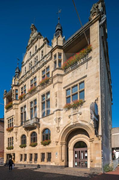 Altes Rathaus, heute Buergerhaus, Sandsteinfassade, Neugotik, Hilden, Bergisches Land, Niederbergisches Land, Nordrhein-Westfalen