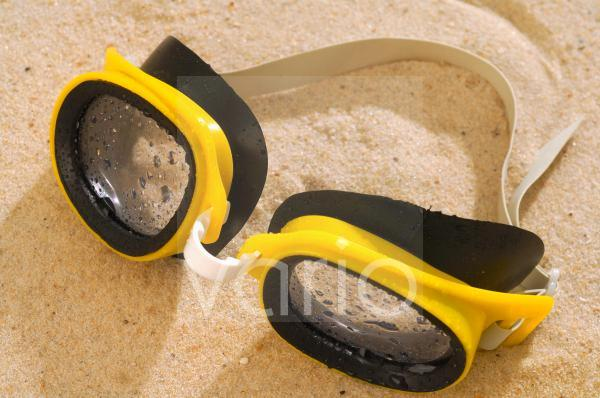 Gelbe Schwimmbrille