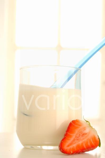 Joghurt und Erdbeeren