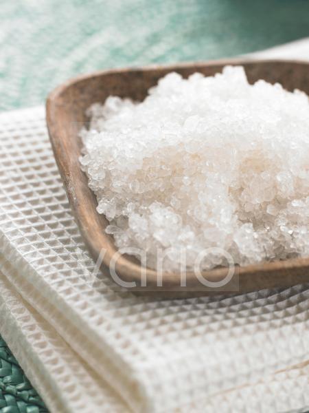 Peeling-Salze in einer Holzschale
