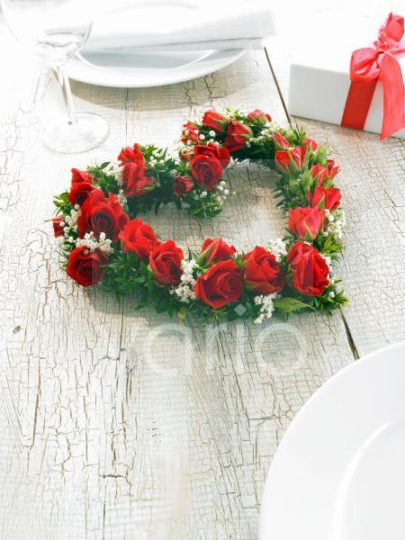 Herz aus Rosen; Myrte und Schleierkraut